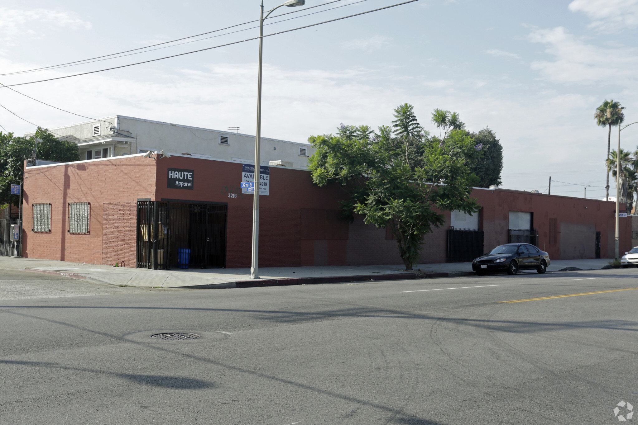 3216-3220 south hill street, los angeles - - Industrial Building- GBA 7,995 SF- Land 10,497 SF- Well-maintained Building- Offices with Central Air-conditioning