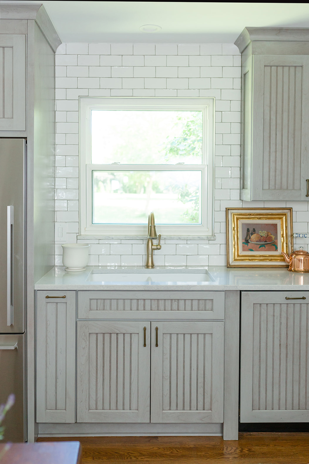 sink with molding and side fridge.jpg
