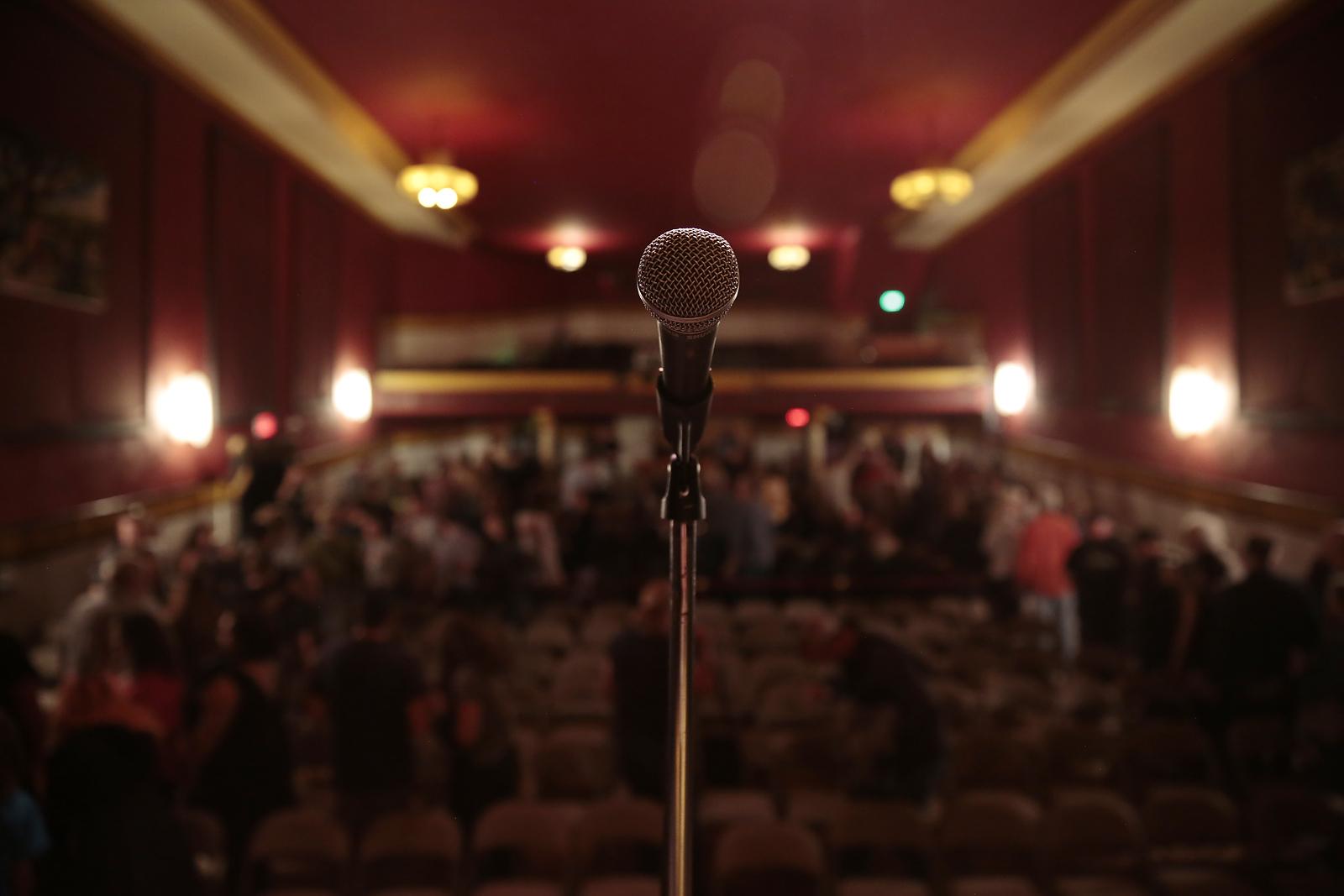 Petallama_2018_Day1_19 (stage mic).JPG