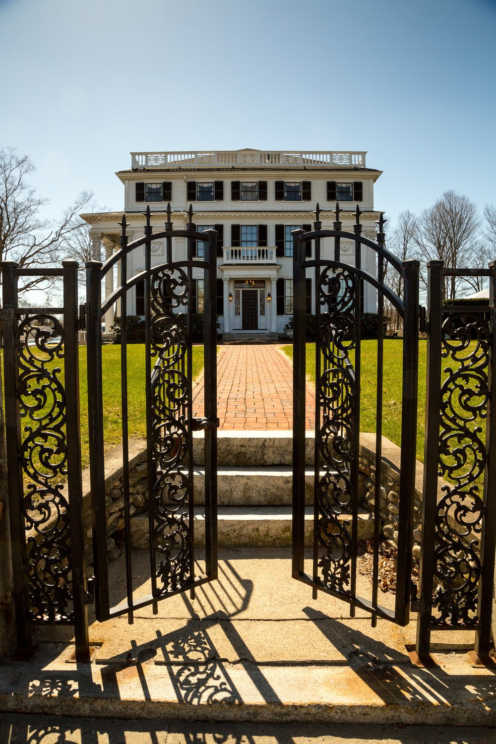 Elm Street entrance and side gate, early spring. Photo: Ed Diaz, Diaz Digital Discoveries.