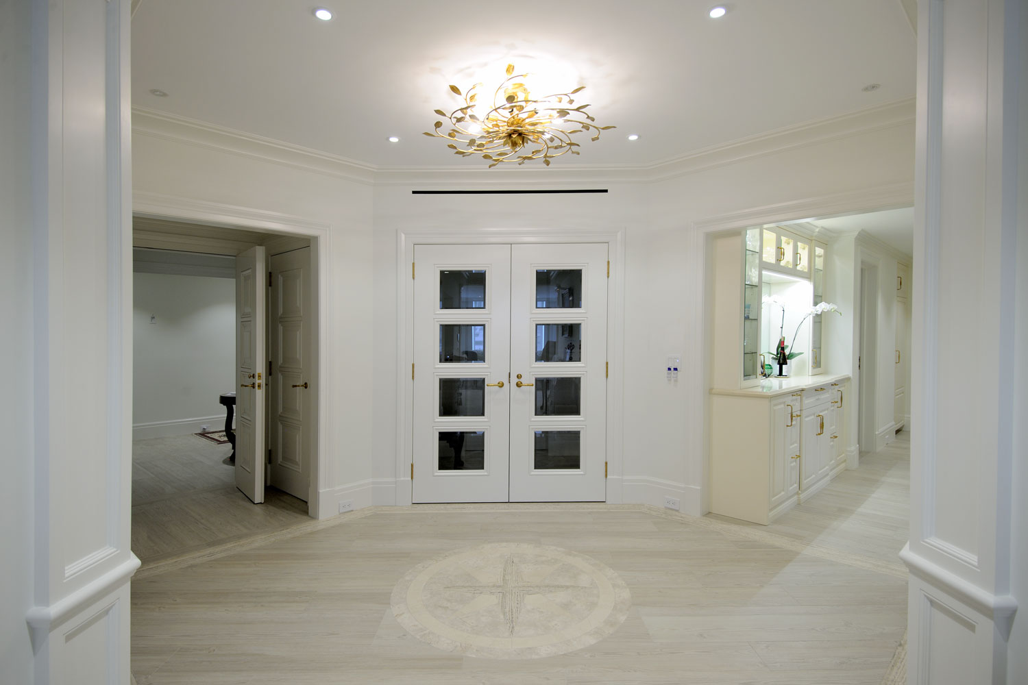 Timeless Traditional Home Foyer