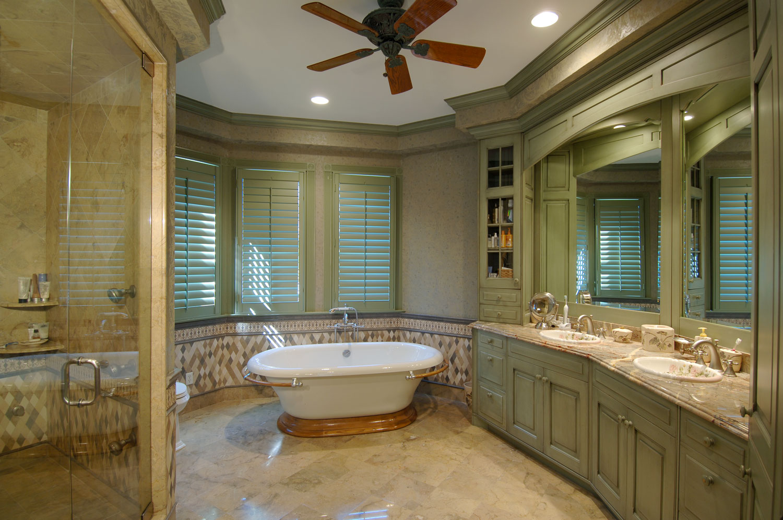 Victorian Home Her Master Bath