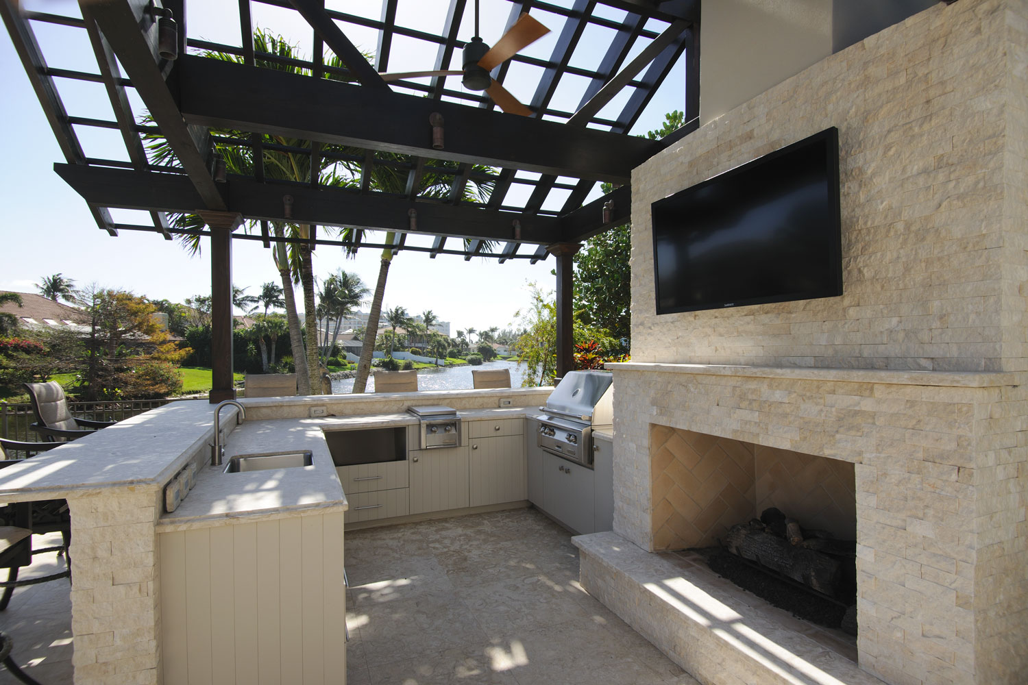 Resort Home Outdoor Kitchen