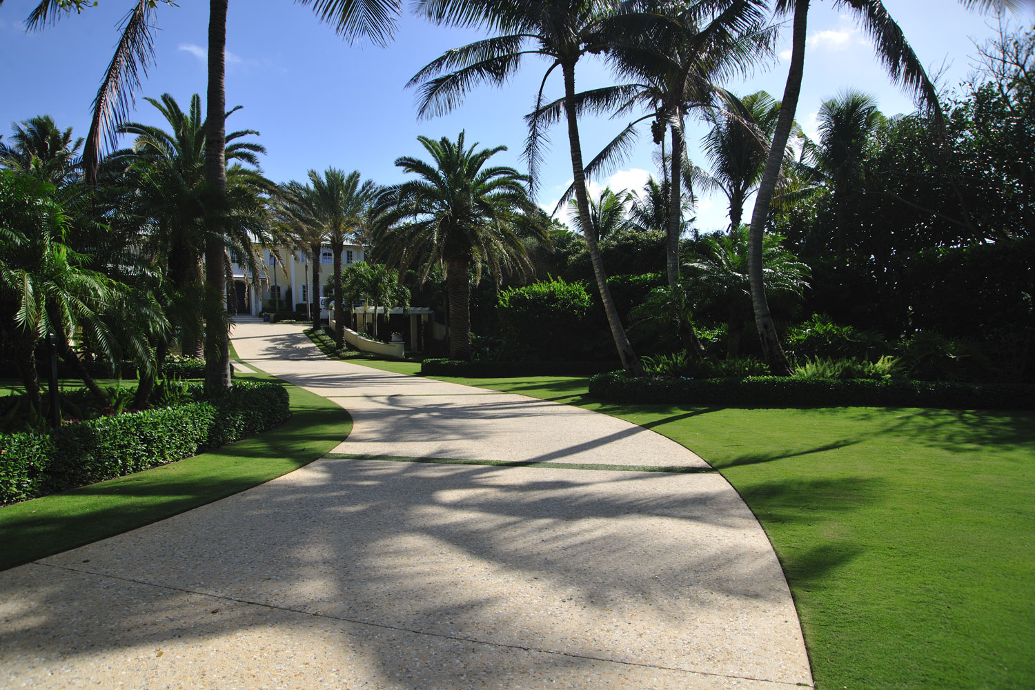 Caribbean Colonial Home Driveway Entrance