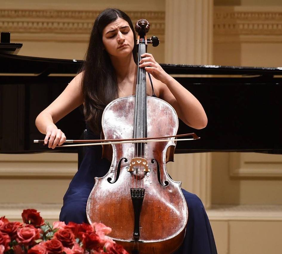 Raffaella Cardaropoli ( violoncello )