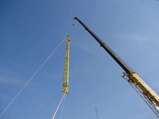 - boom trucks & crane capabilites