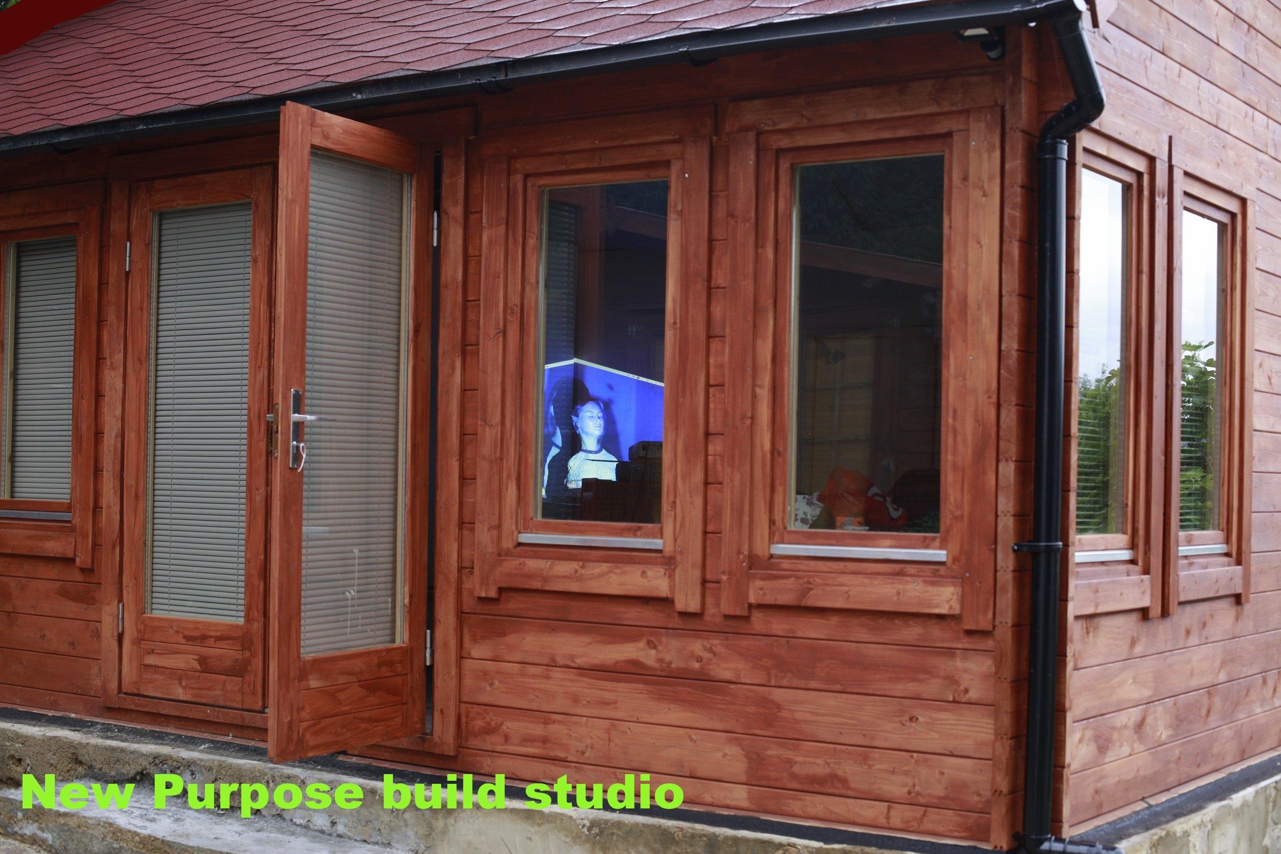 NEW LONDON STUDIO