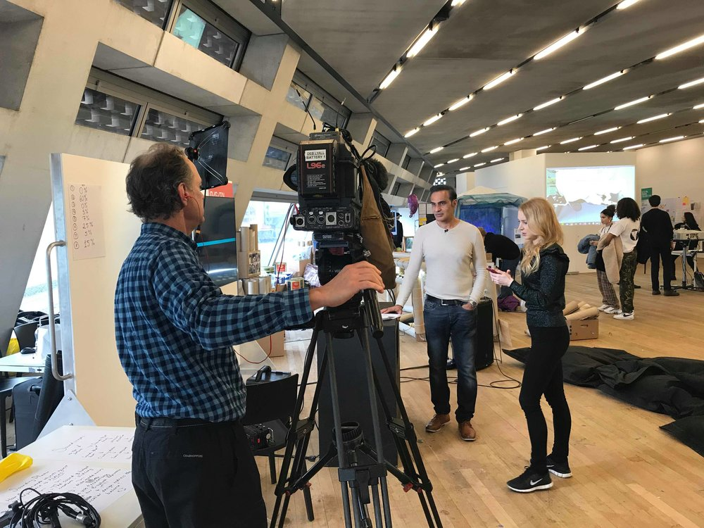 Tate+Modern+Being+interviewed+by+Sky+News+TV+Mar18.jpg