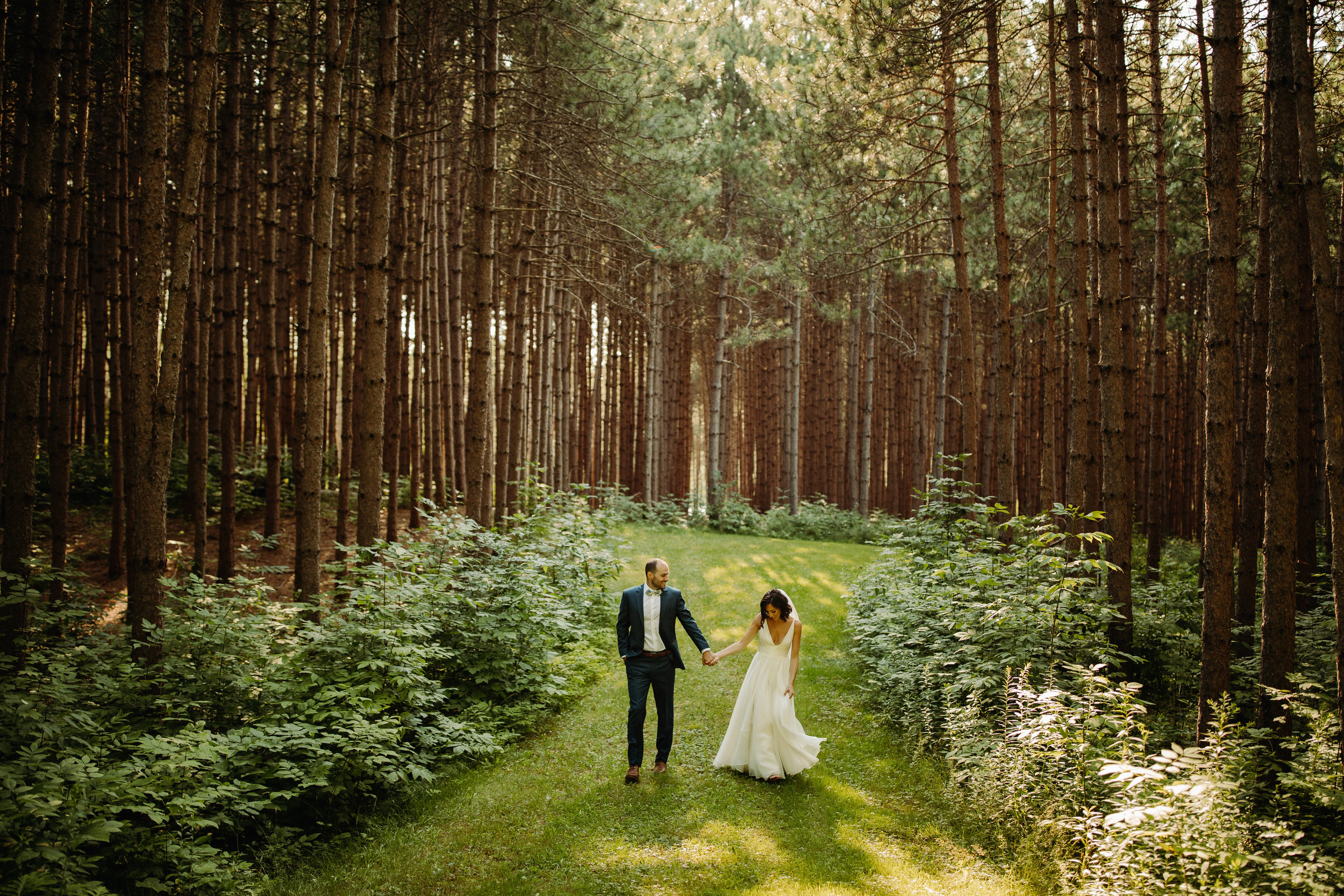 Understated Greenery in July - Real Wedding - Summer