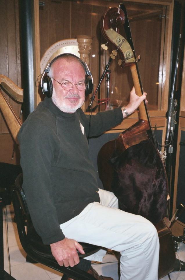Chuck Berghoffer, bass