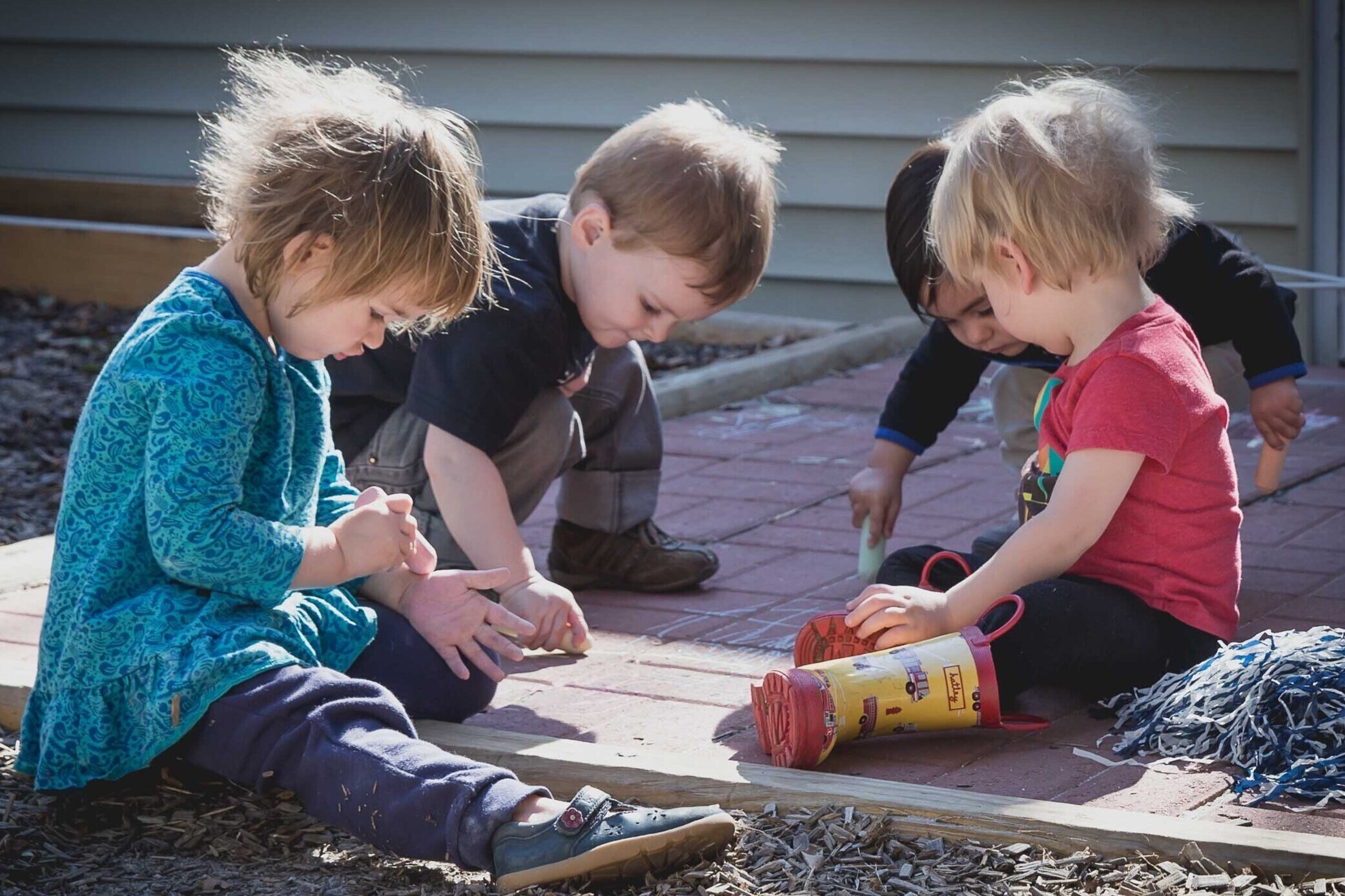 Toddler - 1:6 RATIOOur Toddlers spend their time exploring outside, moving their bodies, developing their independence, and learning healthy and respectful social skills. As always, we follow the child and adapt our environment to suit their needs.