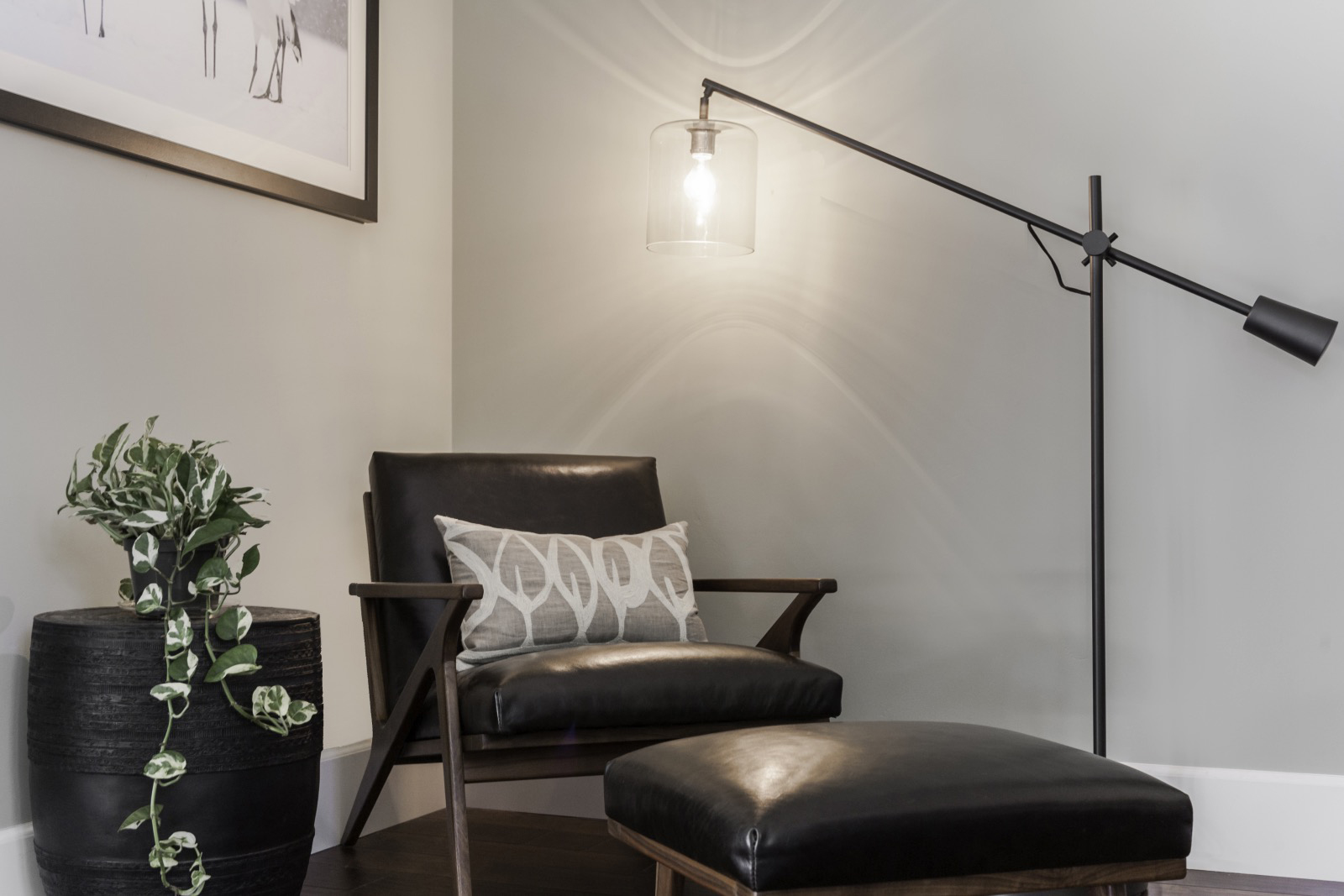 T-Master-Bedroom-Accents.JPG