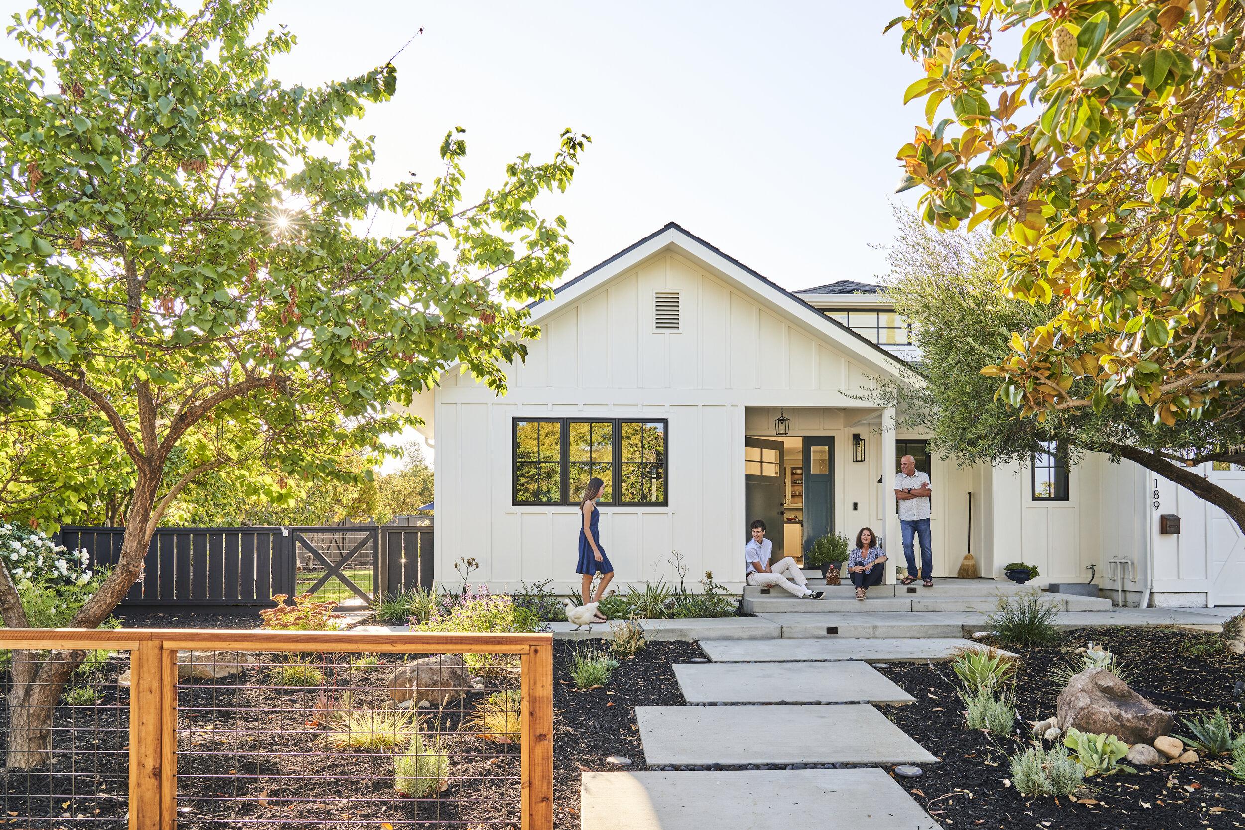 Modern Farmhouse Front Yard And Backyard Renovation Yardzen Online Landscape Design