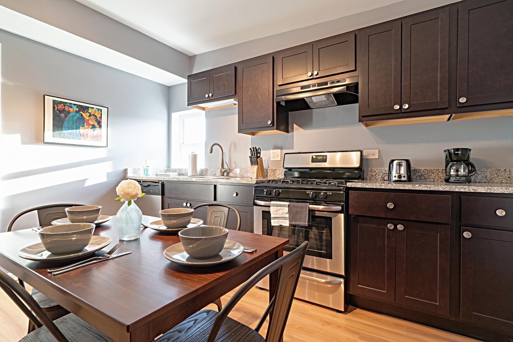 Rodesta Stratus Suite (2 bedroom) - Pilsen neighborhood - Chicago, IL