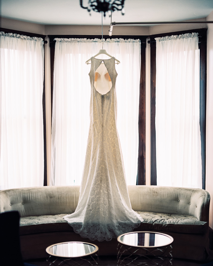 The Haight, Elgin, Illinois. Wedding photography by Two Birds Photography. Classic, timeless, and natural light. Serving Chicago and the suburbs.