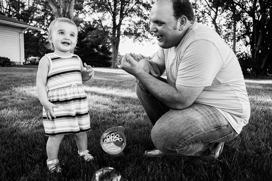 Family photography by Two Birds Photography. Classic, timeless, and natural light. Serving Chicago and the suburbs.