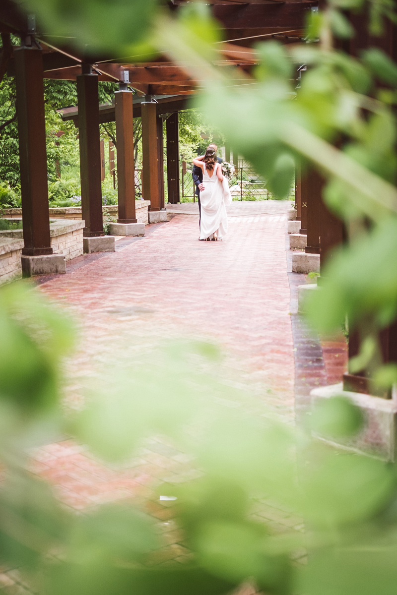 two_birds_photography_jacob_moreland_chicago_westmont_wedding_photographer_Independence_grove_june_summer_11.jpg
