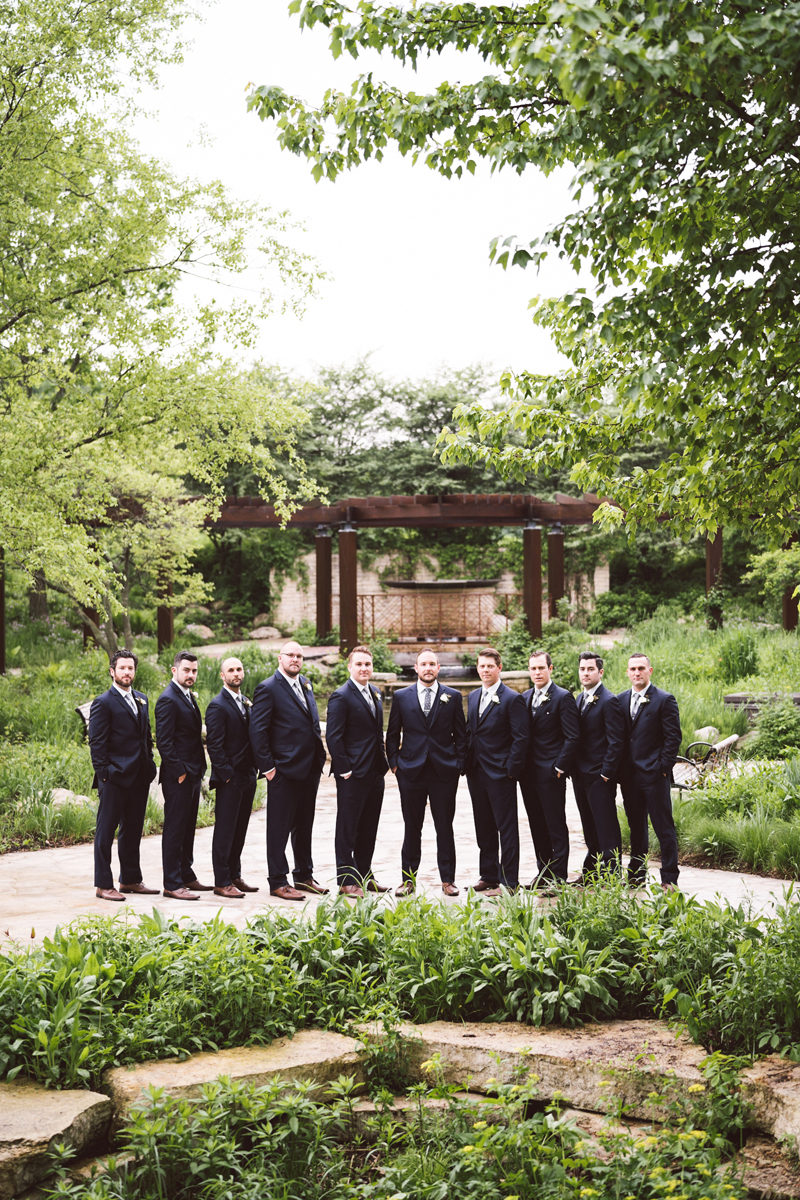 two_birds_photography_jacob_moreland_chicago_westmont_wedding_photographer_Independence_grove_june_summer_09.jpg