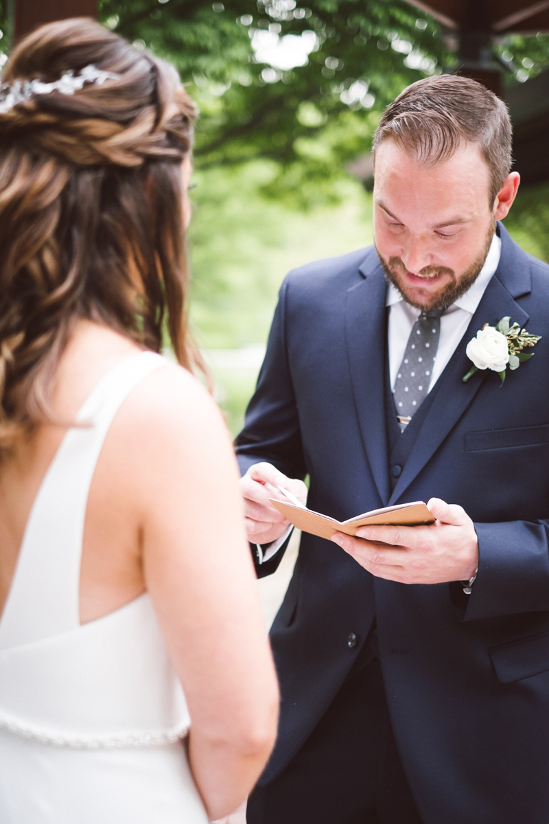 two_birds_photography_jacob_moreland_chicago_westmont_wedding_photographer_Independence_grove_june_summer_14.jpg