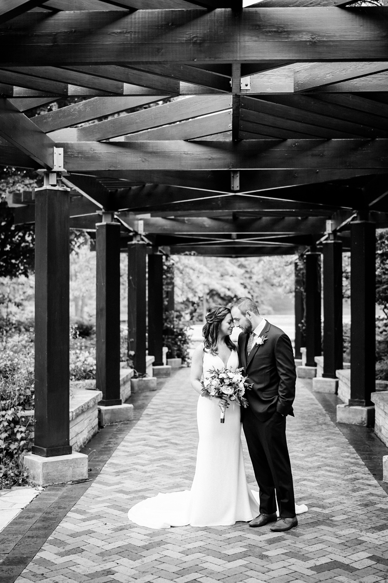 two_birds_photography_jacob_moreland_chicago_westmont_wedding_photographer_Independence_grove_june_summer_17.jpg