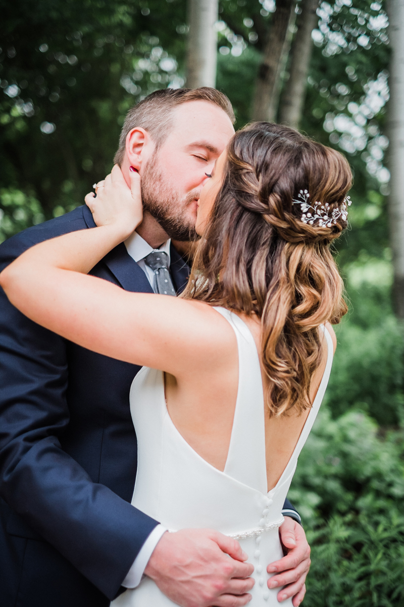two_birds_photography_jacob_moreland_chicago_westmont_wedding_photographer_Independence_grove_june_summer_18.jpg