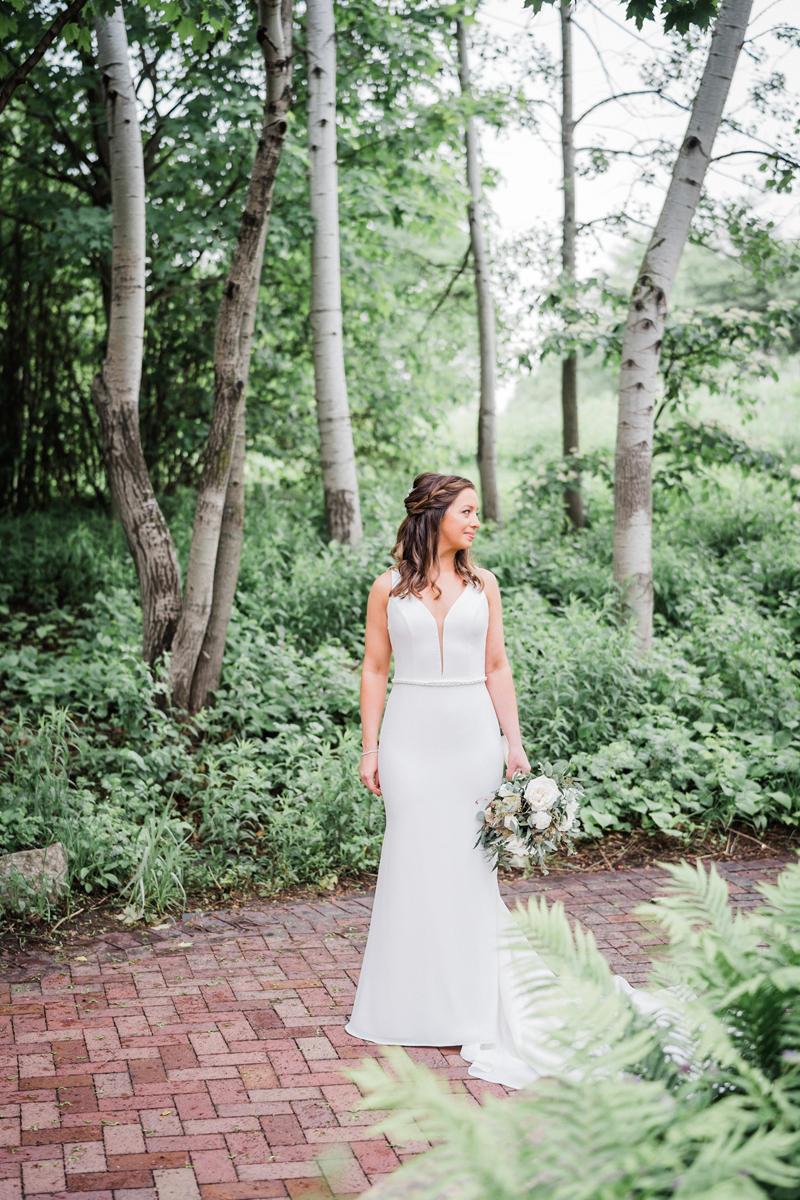 two_birds_photography_jacob_moreland_chicago_westmont_wedding_photographer_Independence_grove_june_summer_20.jpg