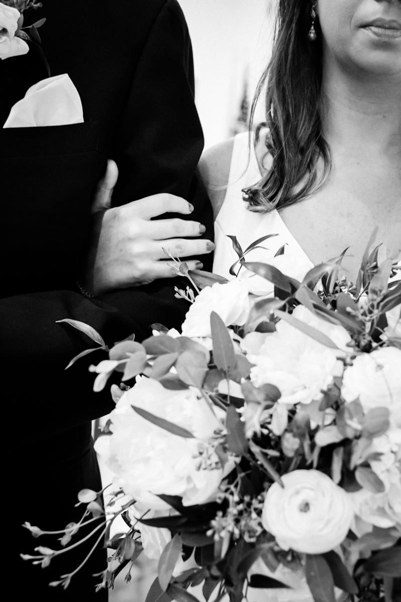 two_birds_photography_jacob_moreland_chicago_westmont_wedding_photographer_Independence_grove_june_summer_30.jpg
