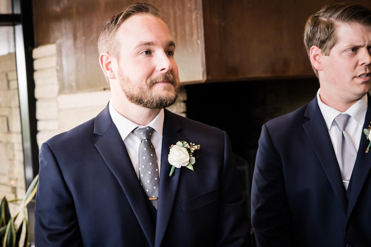 two_birds_photography_jacob_moreland_chicago_westmont_wedding_photographer_Independence_grove_june_summer_32.jpg