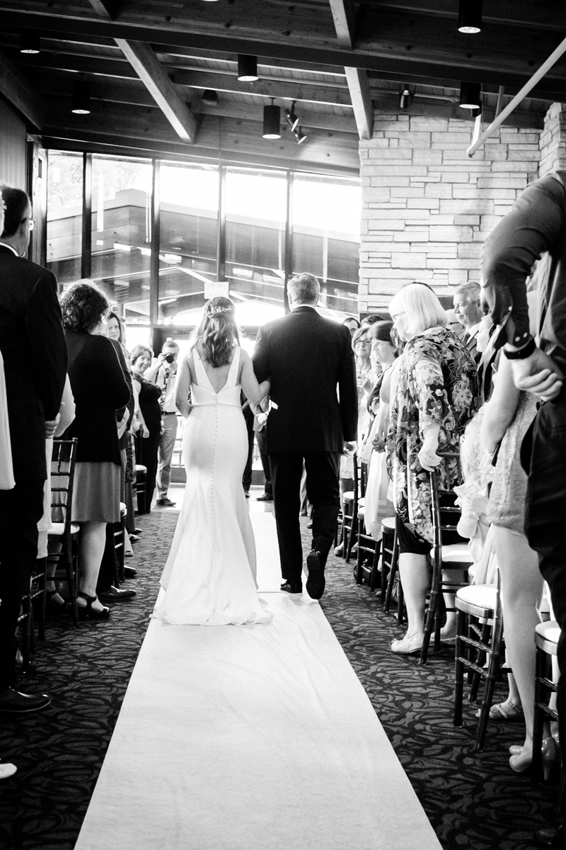 two_birds_photography_jacob_moreland_chicago_westmont_wedding_photographer_Independence_grove_june_summer_34.jpg