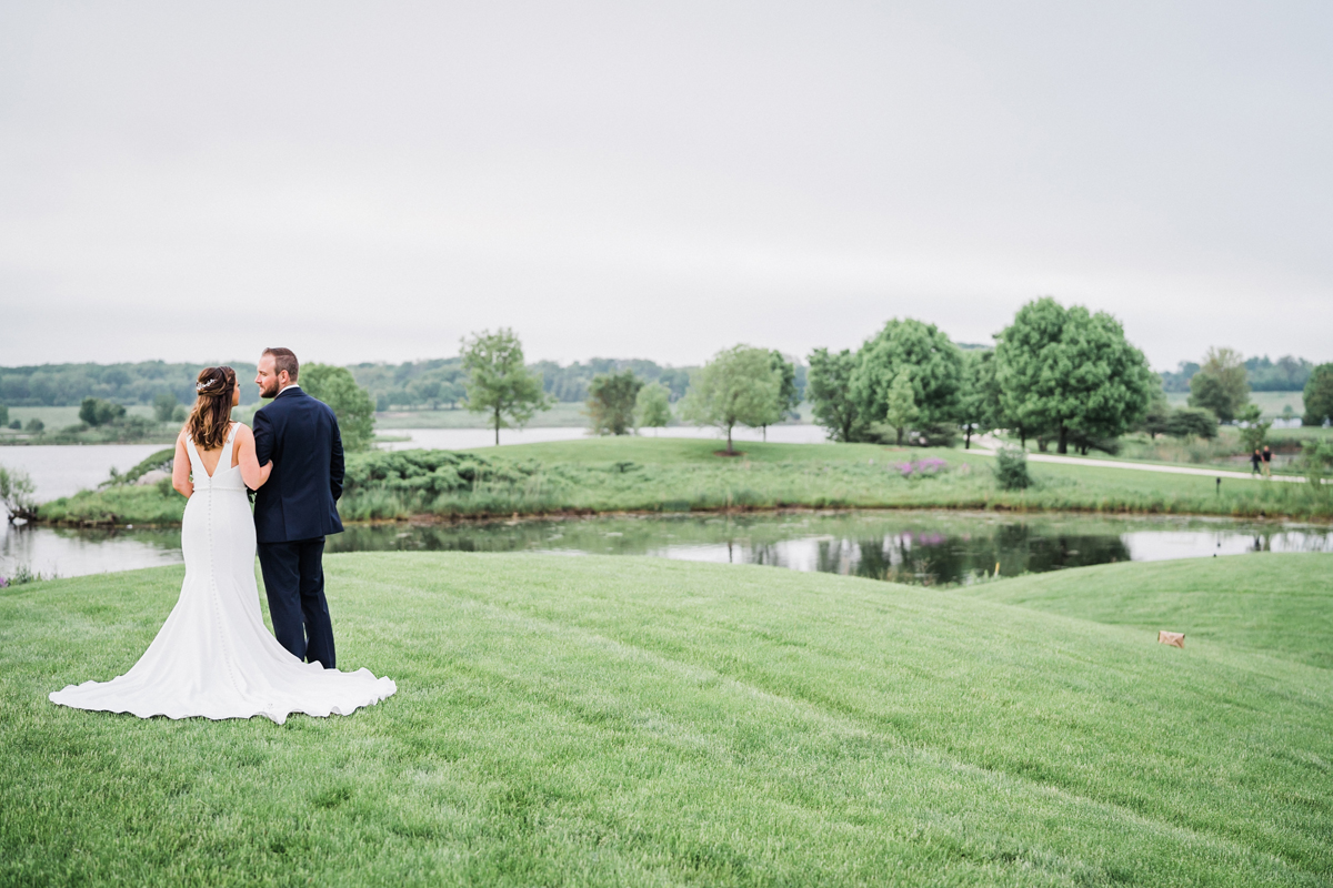 two_birds_photography_jacob_moreland_chicago_westmont_wedding_photographer_Independence_grove_june_summer_37.jpg