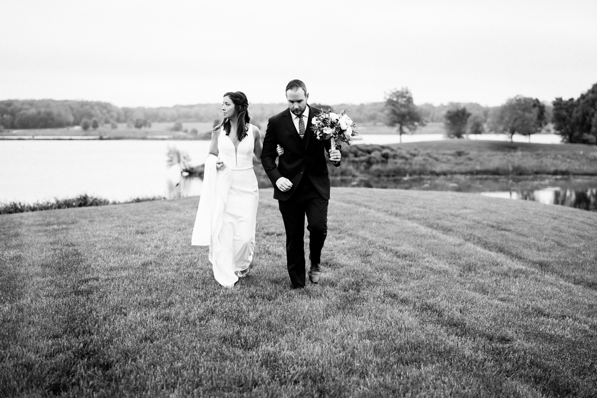 two_birds_photography_jacob_moreland_chicago_westmont_wedding_photographer_Independence_grove_june_summer_39.jpg