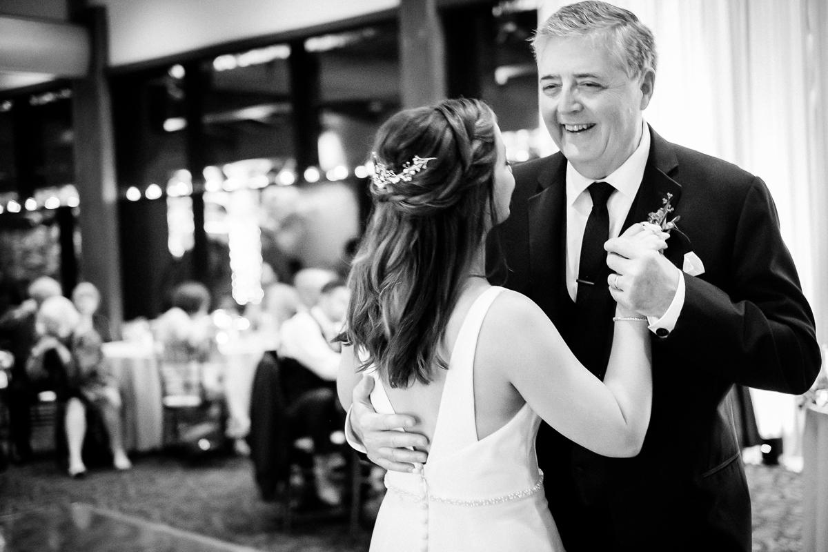 two_birds_photography_jacob_moreland_chicago_westmont_wedding_photographer_Independence_grove_june_summer_48.jpg