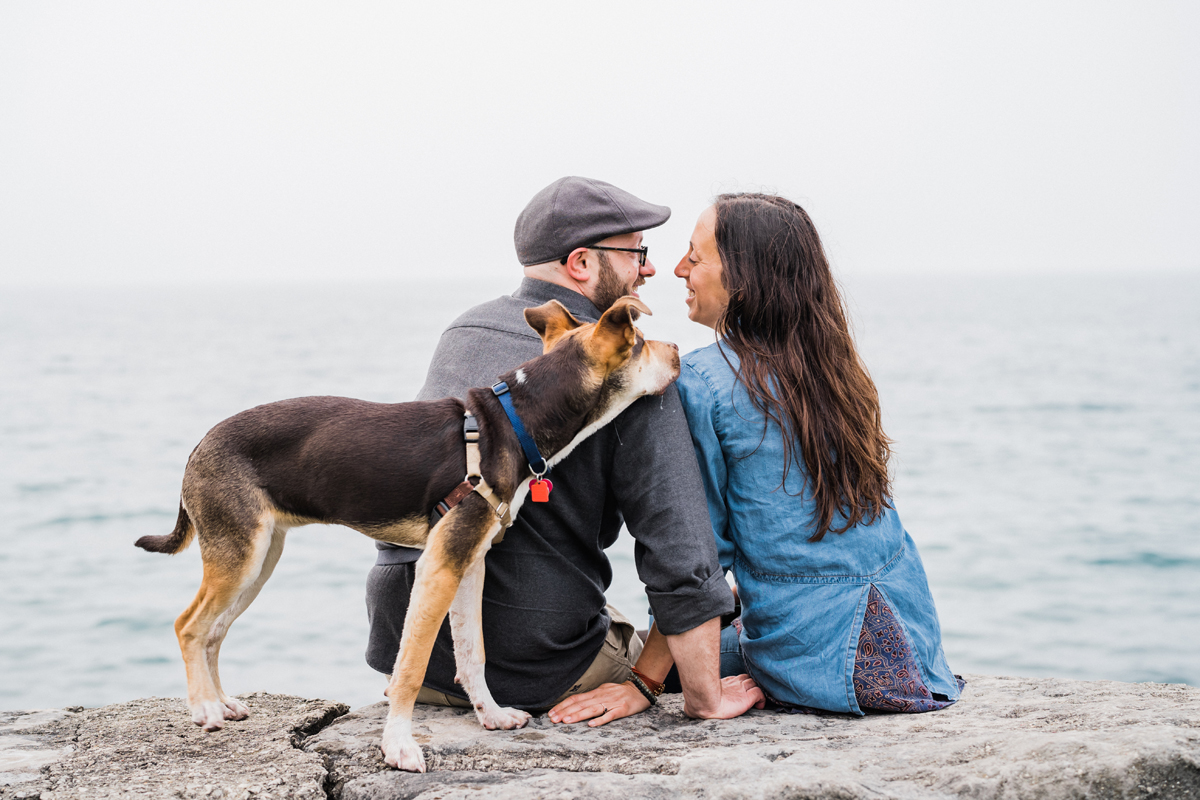 two_birds_photography_jacob_Moreland_westmont_chicago_photographer_dog_pet_portraits_engagement_promontory_point_03.jpg