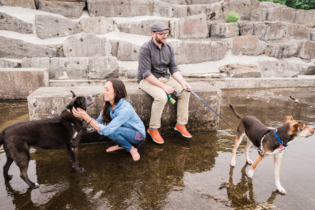 two_birds_photography_jacob_Moreland_westmont_chicago_photographer_dog_pet_portraits_engagement_promontory_point_05.jpg