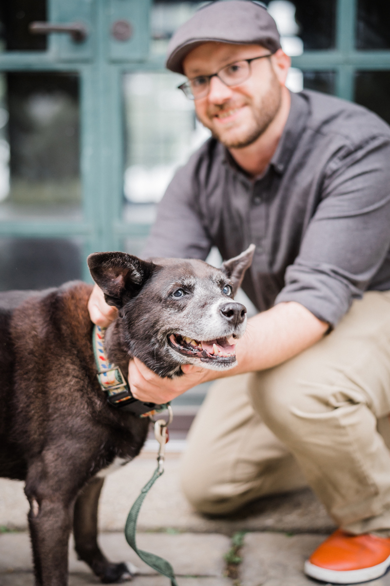 two_birds_photography_jacob_Moreland_westmont_chicago_photographer_dog_pet_portraits_engagement_promontory_point_09.jpg