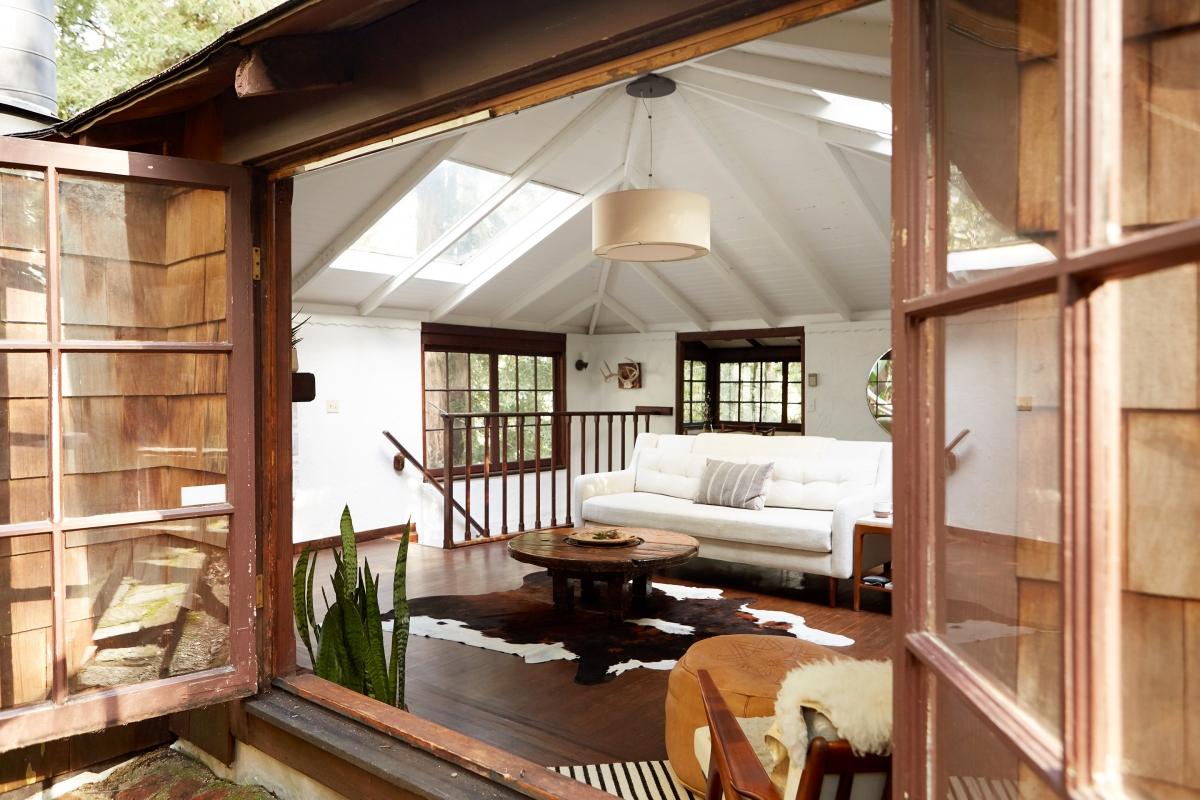 she_living_room_1-1200x800.jpg