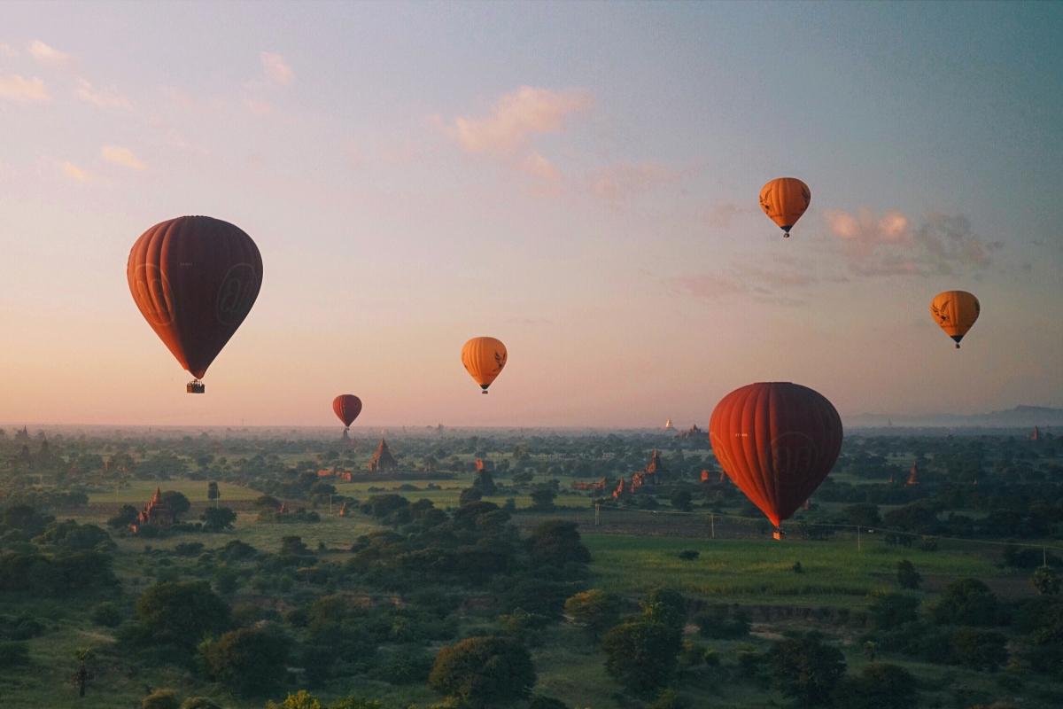 Balloons_A-Instagram-Crop-1200x800.jpg