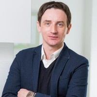 Damien Smyth  Extensive data analytics, business intelligence & research experience from senior roles with BoyleSports, CarTrawler, Vodafone, Goodyear-Dunlop and more.