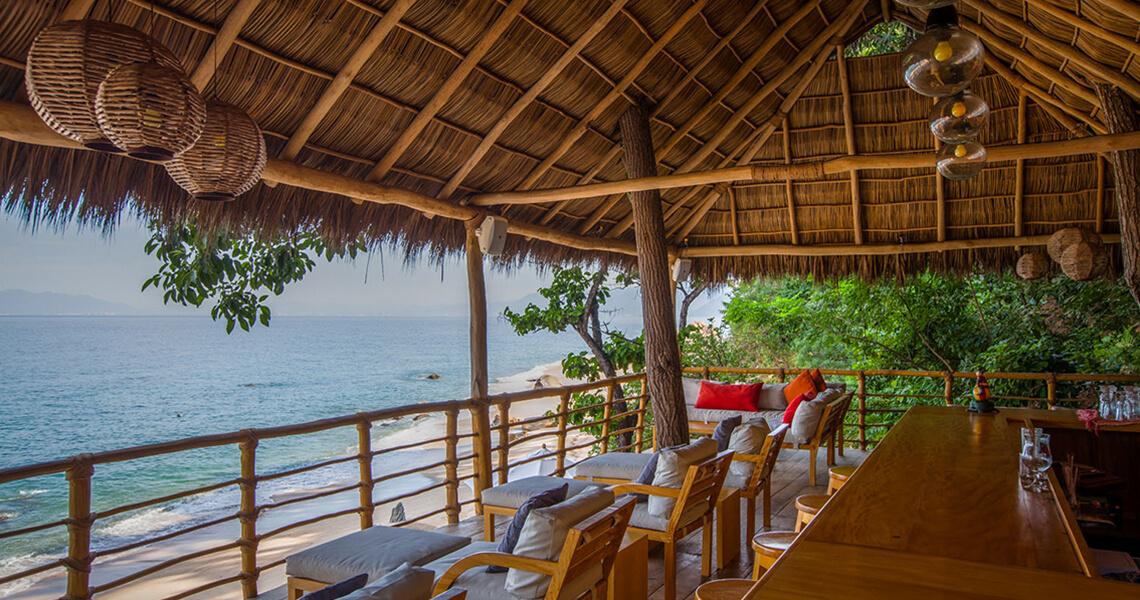 Xinalani Patio Lounge