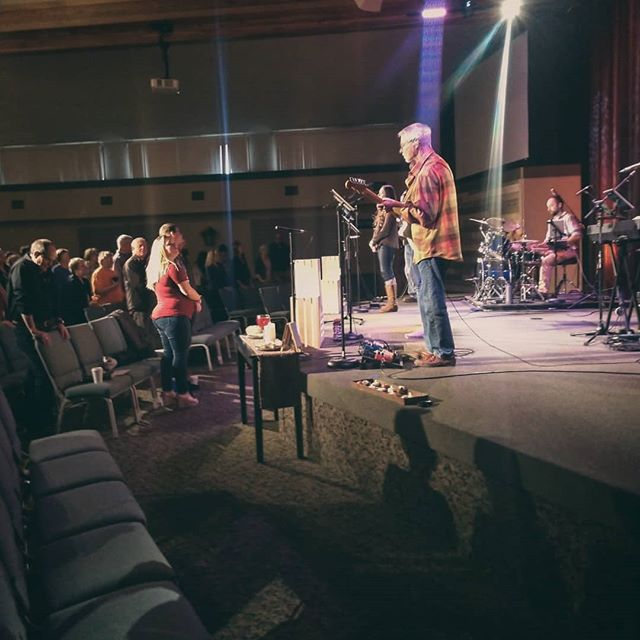 What's your favorite hymn? Great time of worship at Illuminate Hymns tonight! . . . #familychurch #familychurchoregon #sutherlinoregon #sutherlin #greenoregon #interstate5 #myrtlecreekoregon #myrtlecreek #roseburg #roseburgoregon #douglascounty #southcounty #southernoregon