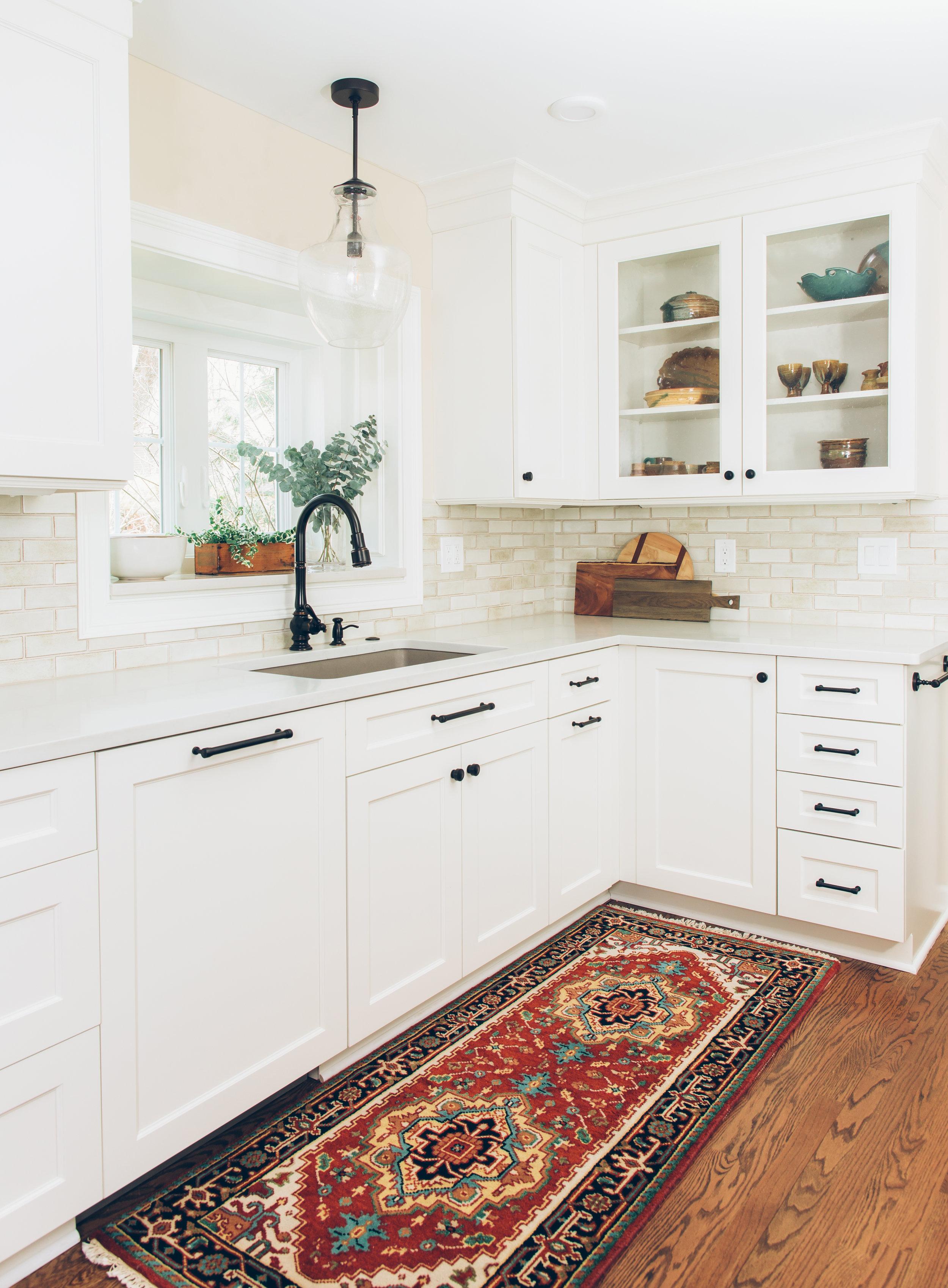 michigan-transitional-kitchen-interior-design-white