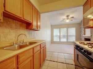 3839-Dry-Creek-Dr-Unit-216-MLS_Size-016-13-Family-Kitchen-Dining-179-1024x768-72dpi-300x225.jpg