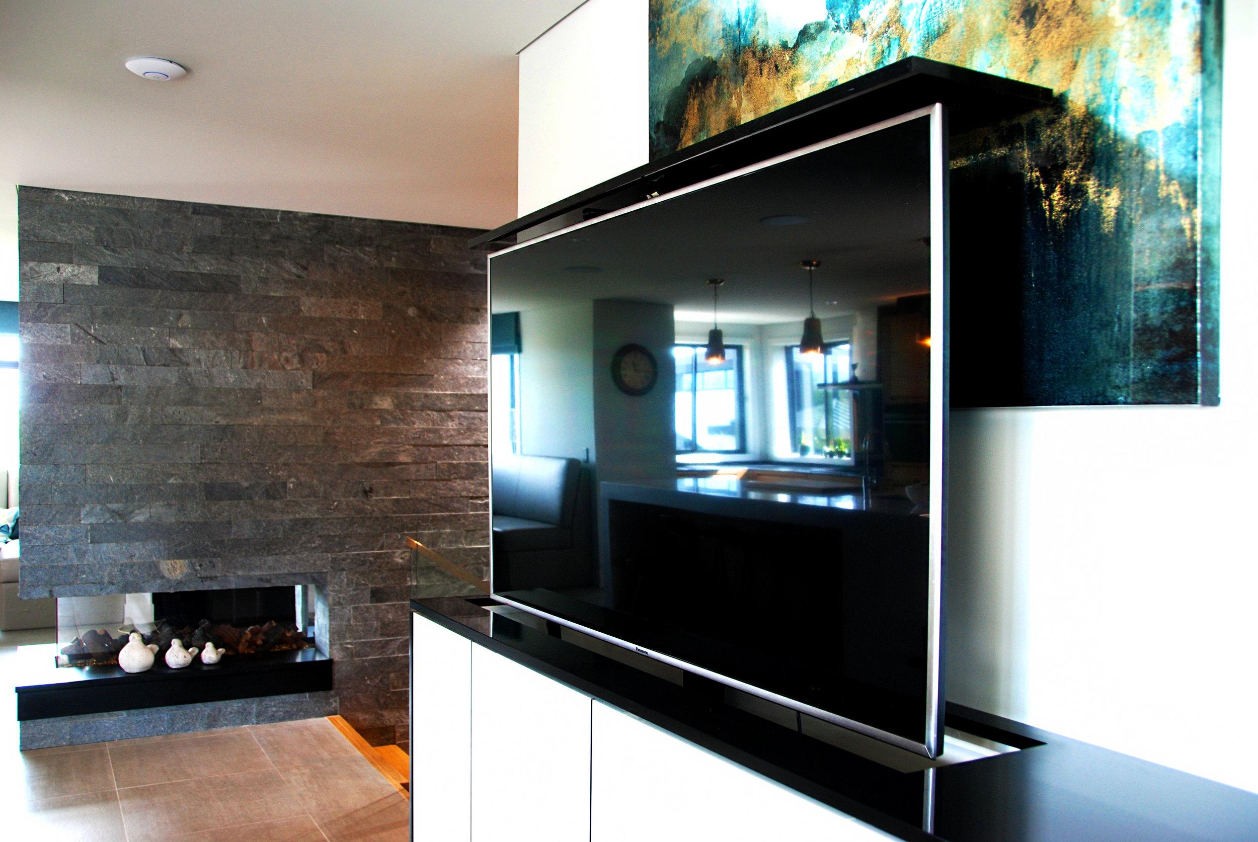 tv cabinet 1.jpg