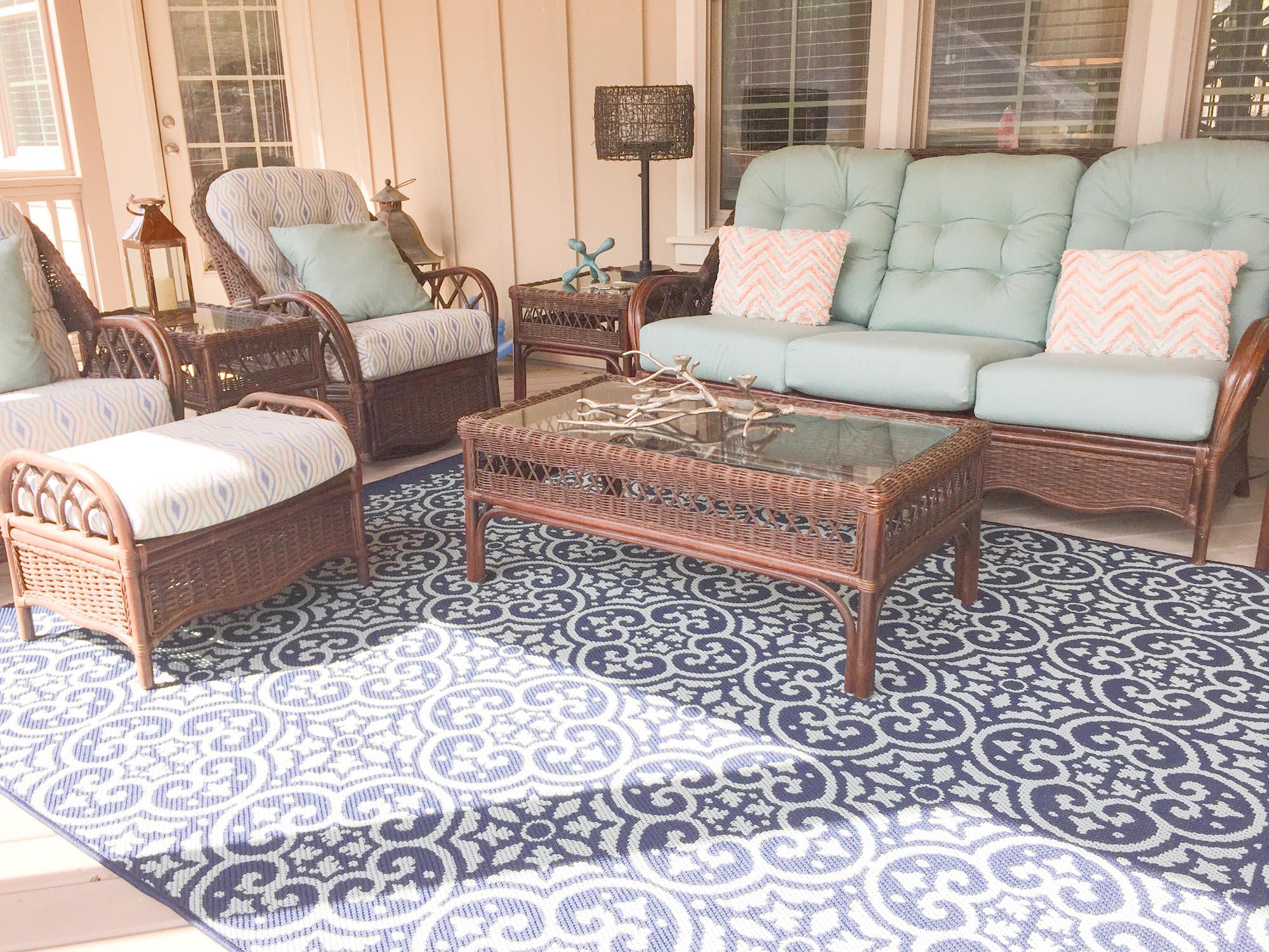 Outdoor furniture with Sunbrella cushions