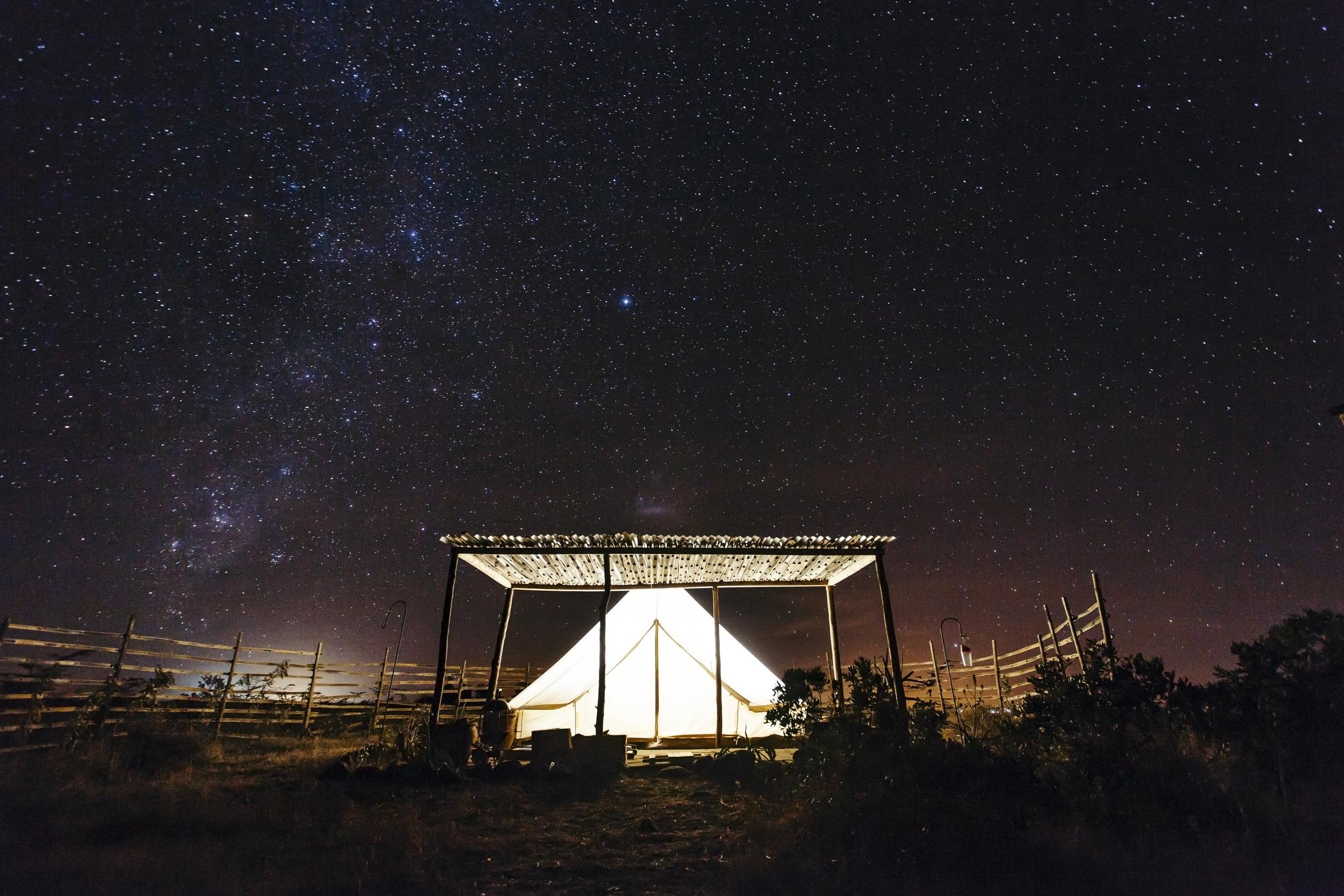 006_High_Res_HandZaround_Sieku_Glamping_Kenya.jpg
