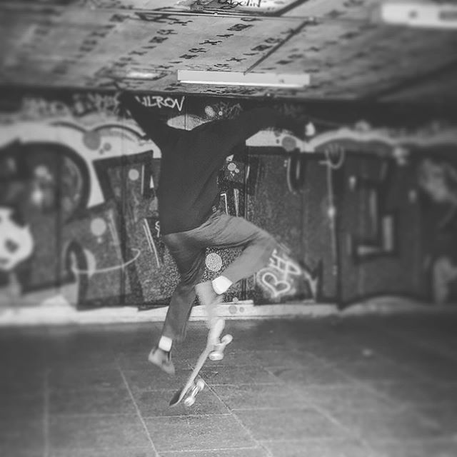 Skateboard Life • • • #skateboard #skateboardkid #life #street #southbank #london #urban #lifestyle #tricks #airriding #electricdesignstudio #eds