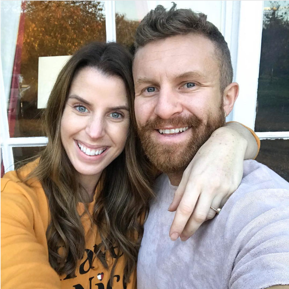 """carly rowena - Fitness Blogger, Influencer and Expectant Muma!""""This weekend we're at the beach with the wonderful zenmuma learning Hypnobirthing & i honestly couldn't be more excited for the waves to start happening so that we can retreat into our own little bat-cave & meet bump!"""" @carlyrowena"""