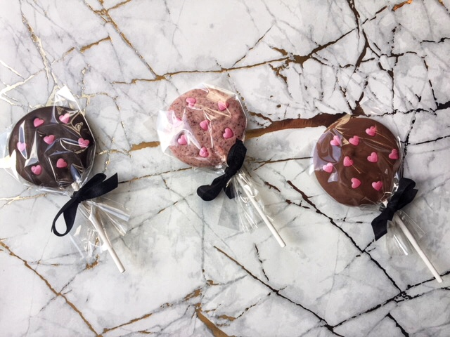 It must be love…Guests are sure to fall in love with our handmade chocolate lollies with decadent shimmer hearts. We can make our lollies in numerous flavour combinations as well as a choice of milk, dark, white or caramel chocolate.      Enquire now   confectionaires@confectionaire.club