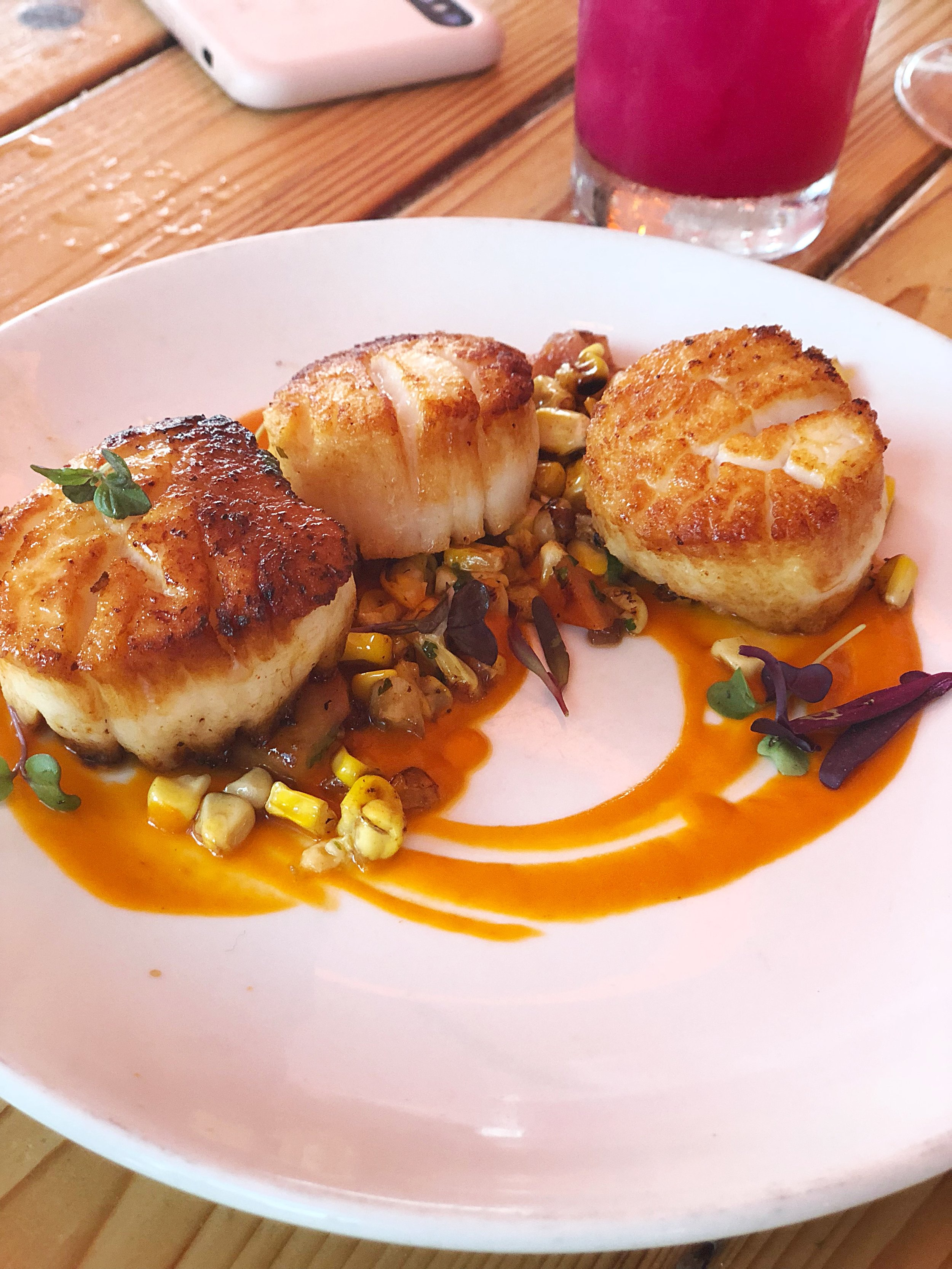Grilled scallops with corn succotash