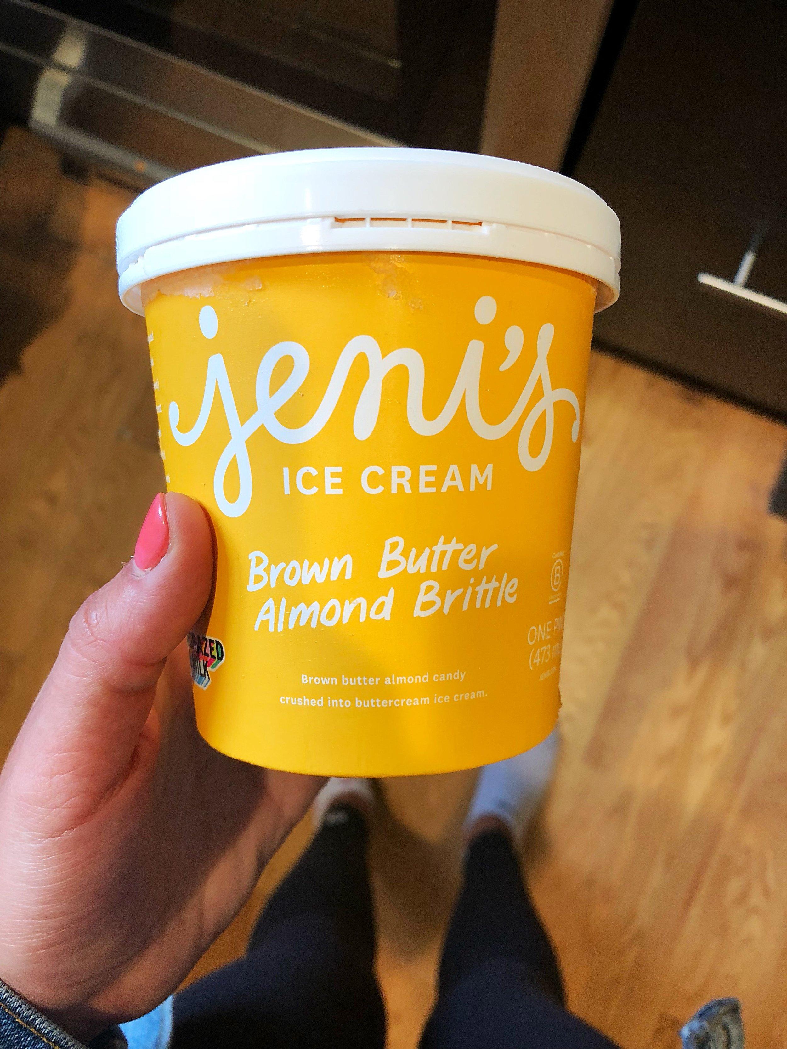 Jenis Splendid Ice Cream_Brown Butter Almond Brittle
